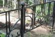 Кованые оградки на кладбище под заказ