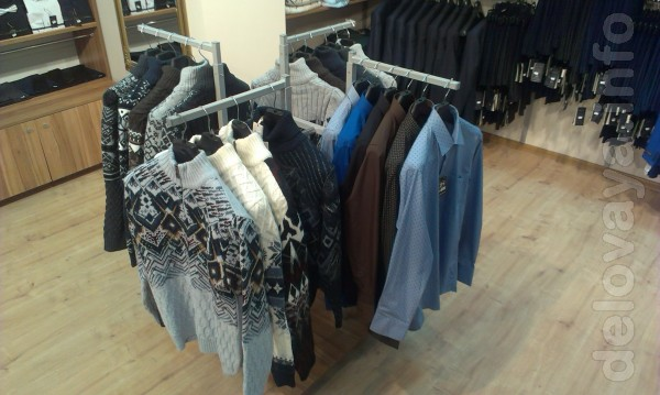 Продам стойку для одежды четырехстороннюю. Дешевле новой на 60%. Сост