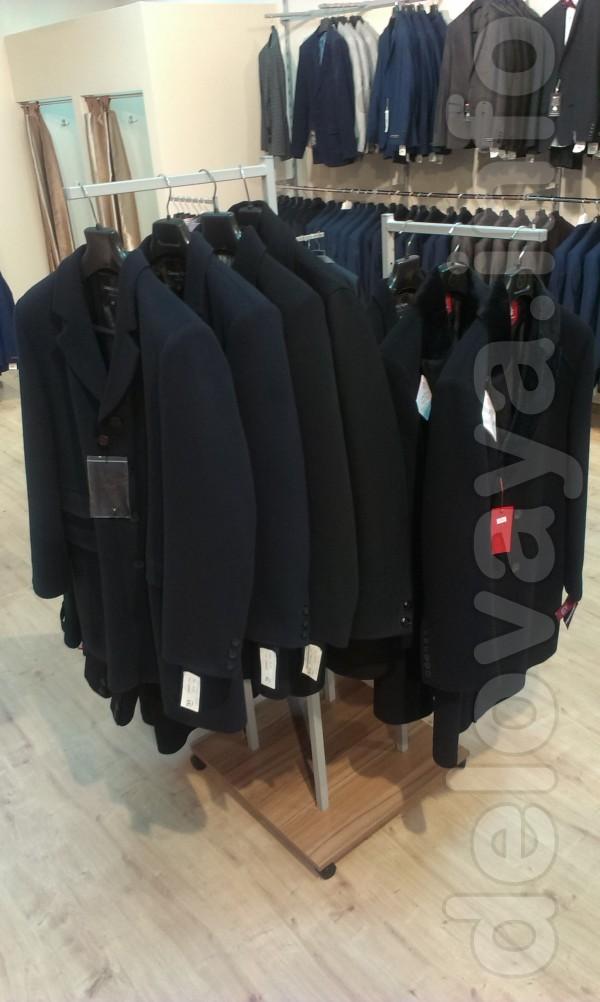 Продам торговое оборудование б/у для бутика мужской одежды.   В ком