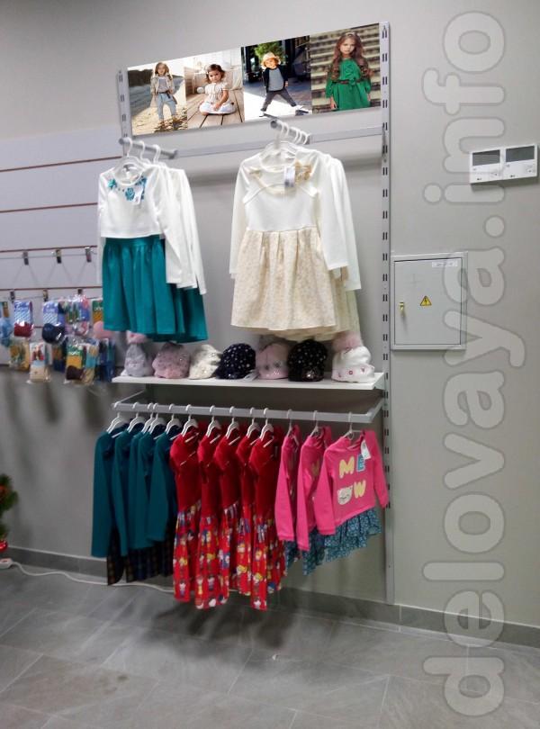 Продам комплект оборудования б/у для магазина детской одежды.  Обор