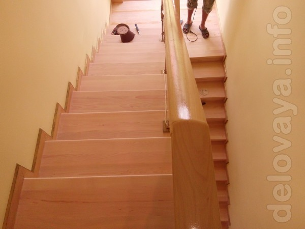 Реставрация лестниц. Деревянные лестницы, как и паркет, нуждается в р