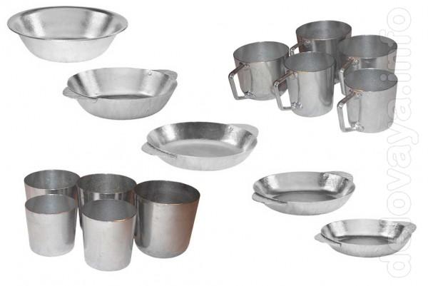 Алюминиевые тарелки, кружки и стаканы разных размеров. Надежная и доб