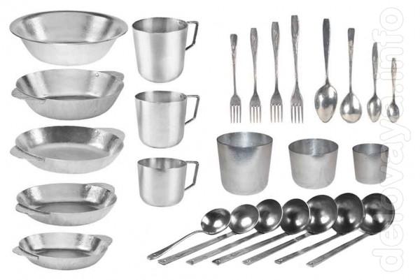 Кружки, стаканы, мыски, тарелки, шумовки, черпаки, столовые приборы.