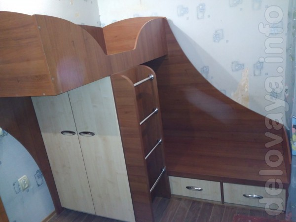 Встроенный плательный шкаф:  В1320*Ш830*Г430 (6 ячеек  и отделение дл