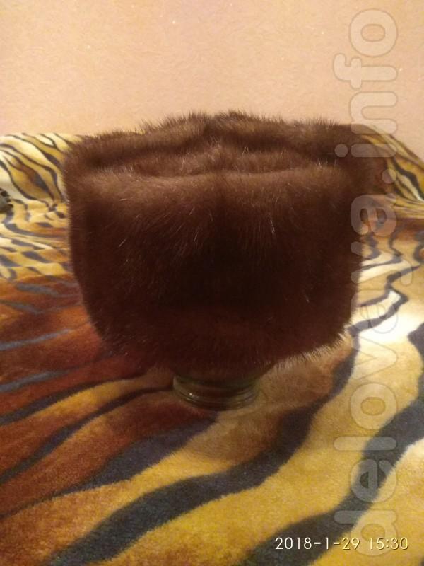 Продам недорого мужскую норковую шапку ( обманка) , фабричный пошив ,