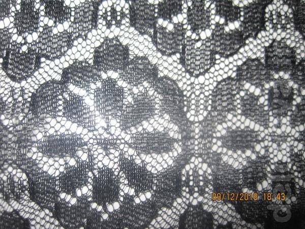 Ткань чёрного цвета 1.50 см на 1.25 см. ц за отрез-200 гр.можно пошит