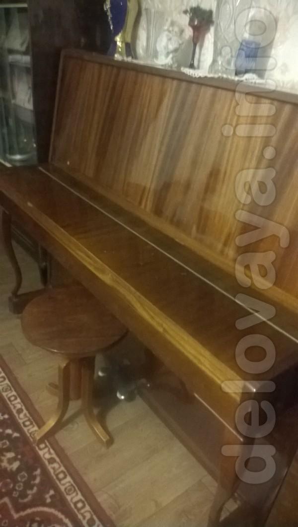 Деревообрабатывающий станок;  фортепиано.