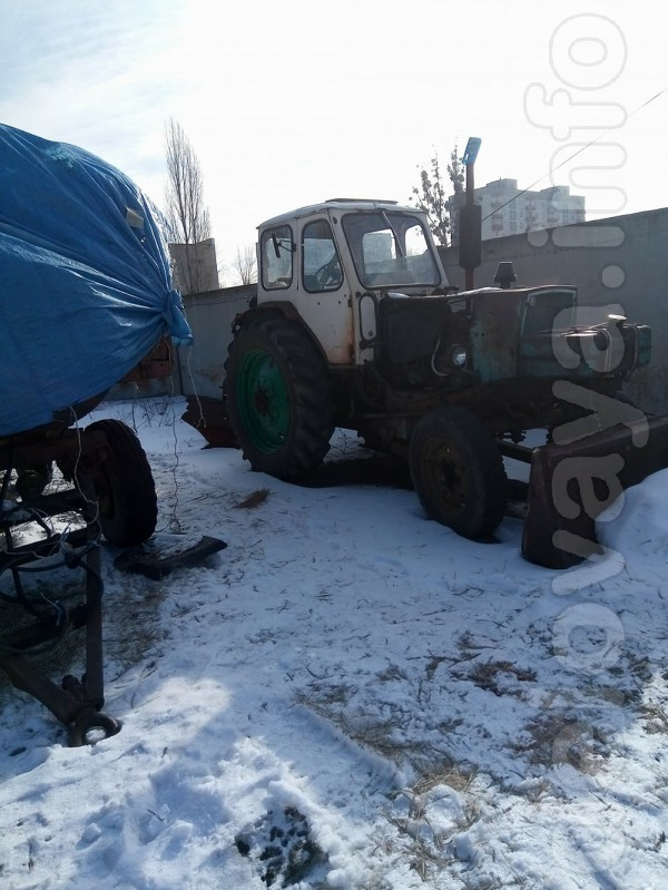 Продам трактор ЮМЗ-6, г. Лисичанск Год выпуска:1976 Двигатель:2.4