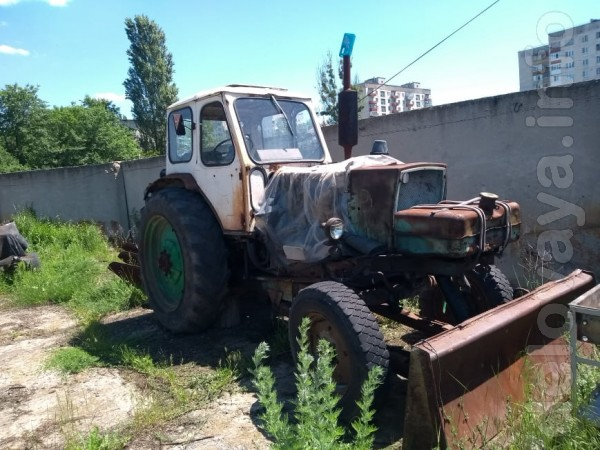 Продам трактор ЮМЗ-6, г. Лисичанск Год выпуска:1976 Двигатель: 2.4 (