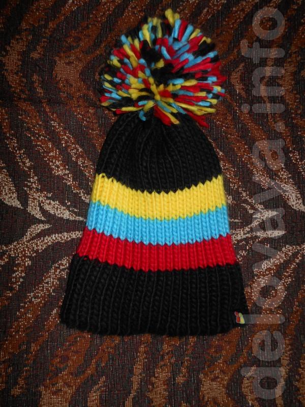 Все по 50 грн. Тёплая шапочка, крупной вязки В идеальном состоянии.