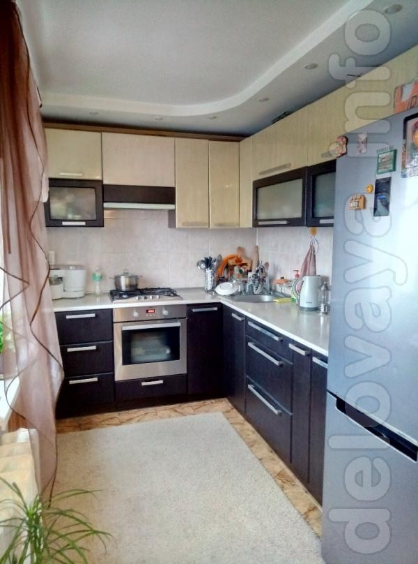 Продам  3-х комнатную квартиру  в районе  Храма пр. Космонавтов, 25,