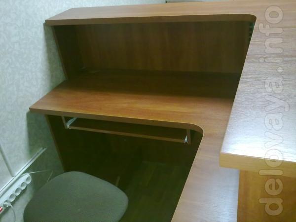 Бюро (стойка) для приемной + приставная тумбочка (под МФУ). Цвет ябло