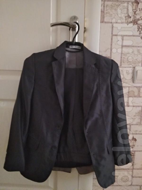 Продам школьный костюм на мальчика.Размер 34/146/67/.Производство Пол