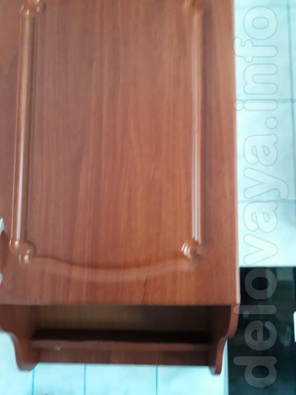Продам шкаф навесной ширина 50 см,мало б/у, в отличном состоянии. Сам