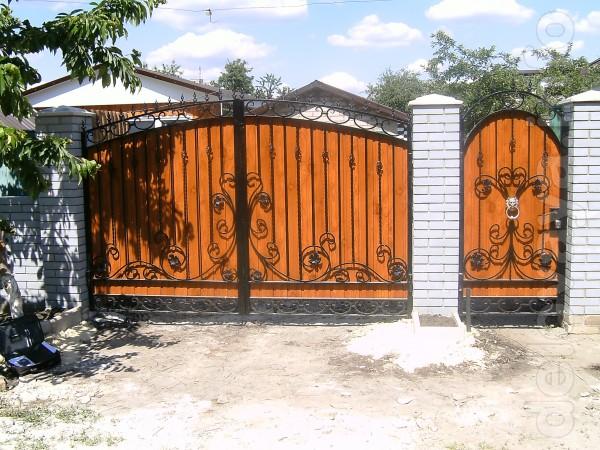 Изготовим металлические ворота,двери,решетки.