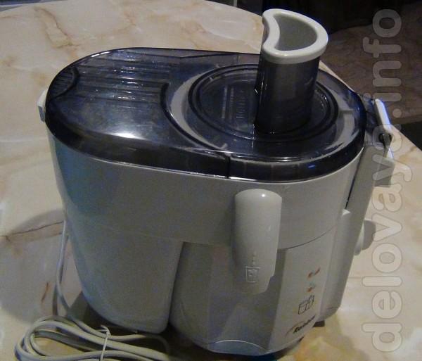 Соковыжималка Vitek VT 1601 для фруктов и овощей, использовалась пару