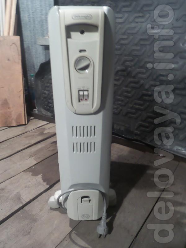 Масляный обогреватель DeLonghi, 2000W, 9 секций, складные ножки-колес