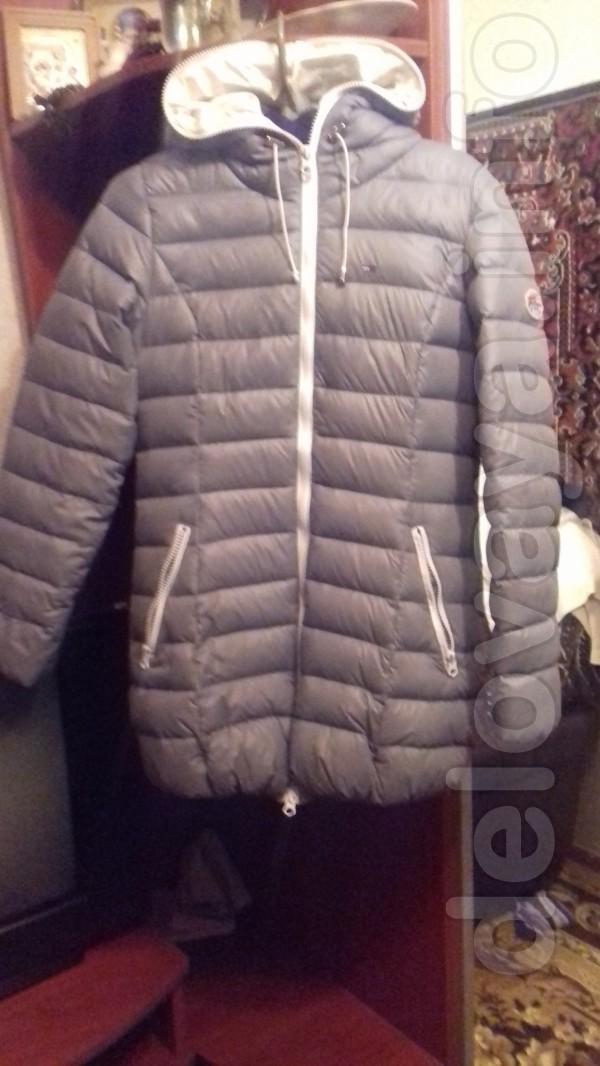 Продам куртку ( весна) 44 р.- 46 р. фирмы 'Томми' , очень красиво смо