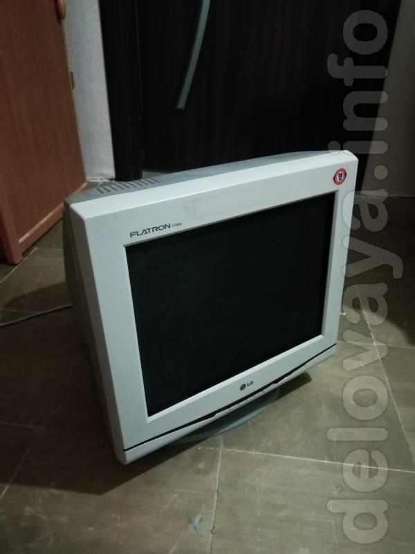 Продам рабочий монитор, в связи с заменой на плоский. Полностью рабоч