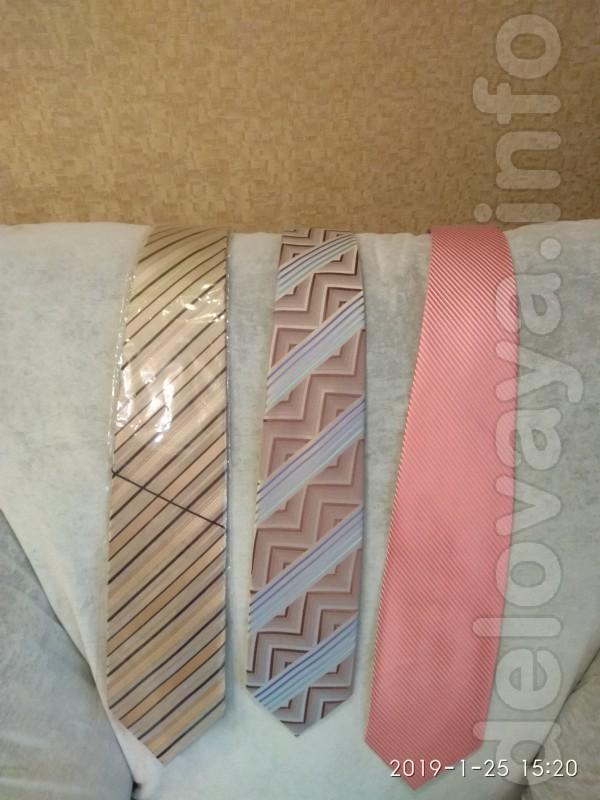 Продам недорого новые галстуки мужские. Цена за одну штуку.