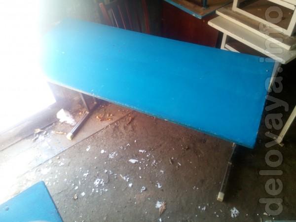 Продаются парты,столы бу. Есть в различном состоянии,и количестве. Це