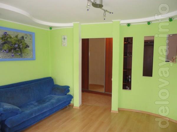 Сдается 2-х комнатная квартира в центре города, район танка, магазин