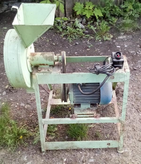 Продам Зернодробилка (кормодробилка, измельчитель, крупорушка, мельни
