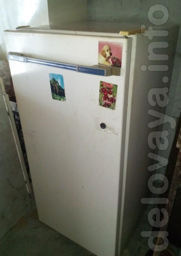 Продам холодильник Саратов в рабочем состоянии. Состояния на фото.