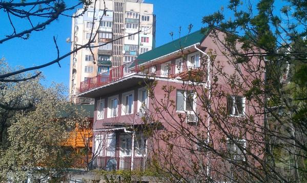 Сдается  2-х комнатная квартира под ключ с террасой и видом на море в