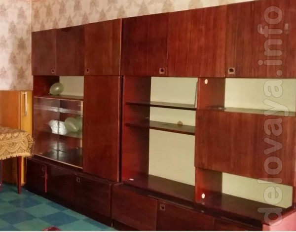 Продам срочно  мебель  Стенка, Шкаф, две кровати, тумбочки. т.09566