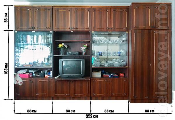 -стенка (3 шкафа с антрисолями + платенный шкаф); -шифоньер 3-х свор
