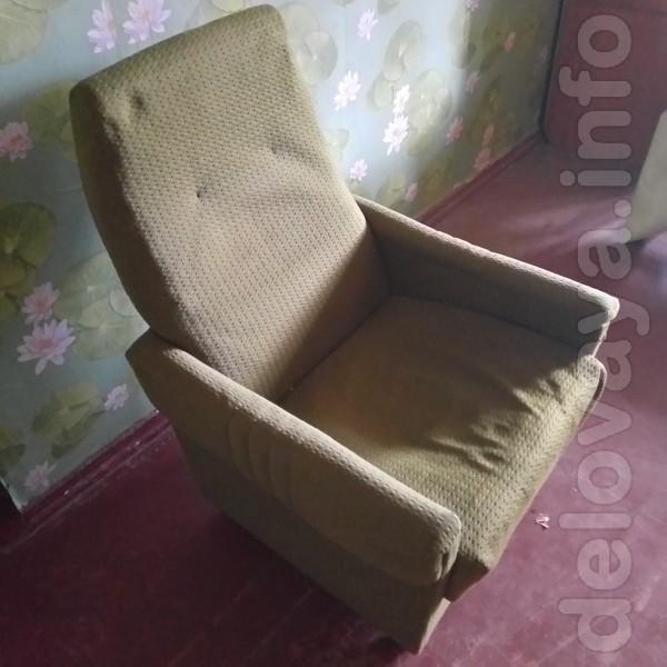 Кресло - 2 штуки.