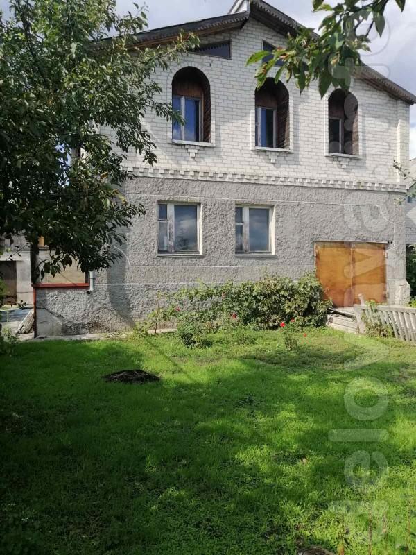 Дом в пригороде г. Рубежн., с. Варваровка (2-эт., 172 кв. м, 7 комн.,