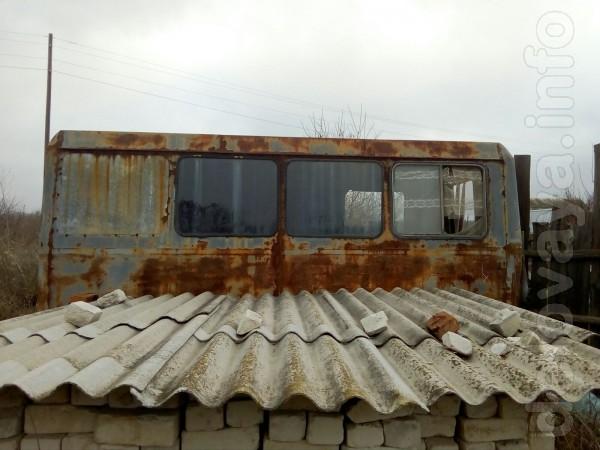 Бытовку на тракторной раме, на колесах, внутренний размер - 4х2,2 м.