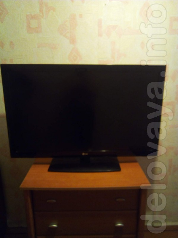 Телевизор 42 дюйма (102 см) LG разбита матрица остальное рабочее.