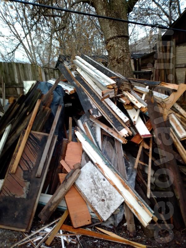 Продам дрова - как на фото (деревянные дверные проемы, оконные рамы и
