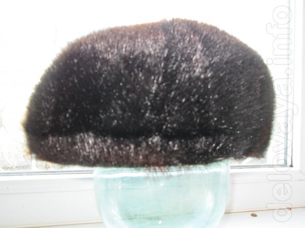 натуральная кепка восьмиклинка с нерпы-черная,состояние новой..