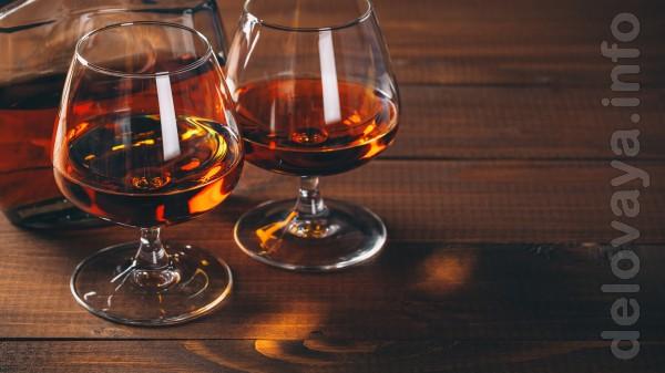 Коньяк, виски, бренди, водка. Не путать с тем, чем наводнён интернет