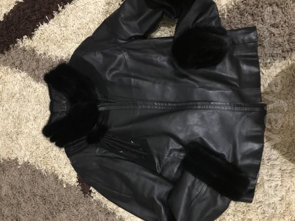 Продам кожаную куртку с отделкой норки все вопросы в личку