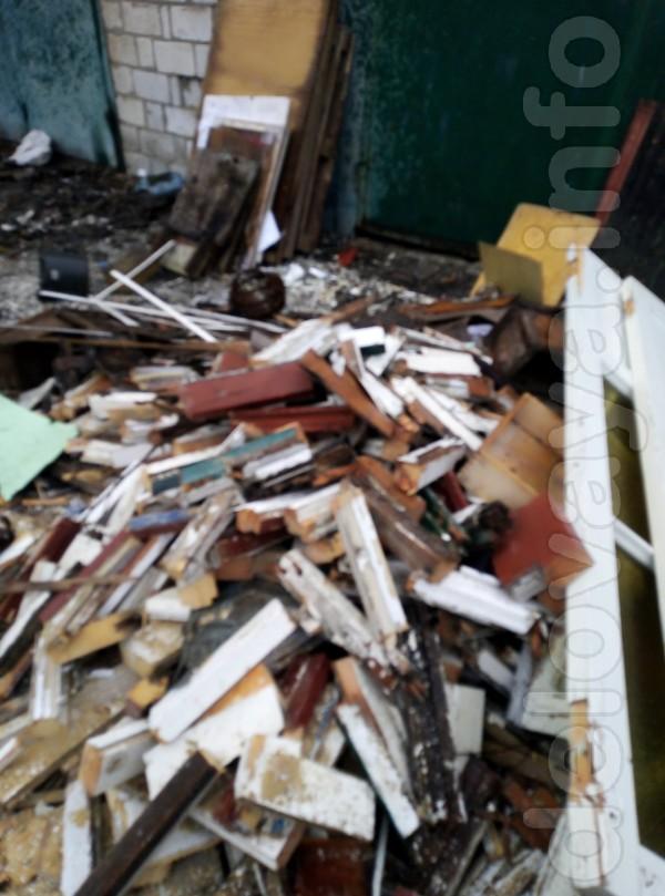 Продам дрова пиляные (дверные проемы и оконные рамы )1800 грн - 4 куб
