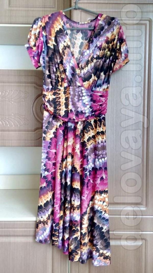 Новое платье 48 размер Ткань : трикотаж Длина 112 см Ширина от плеча