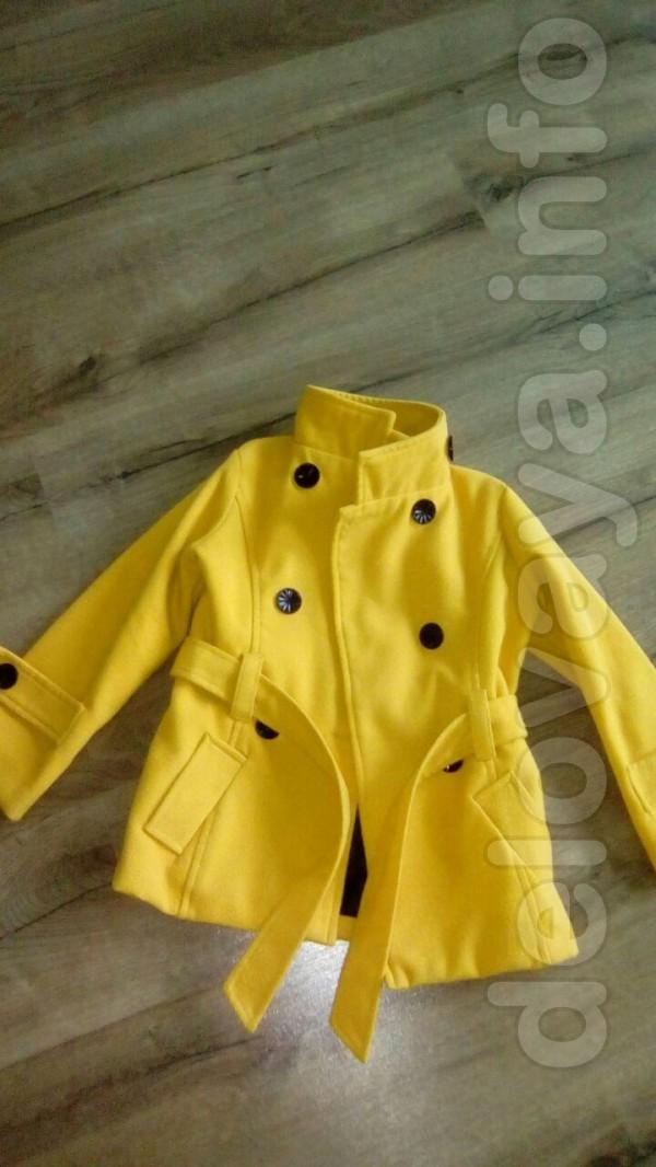 Продам пальто на девочку 3-5 лет, в отличном состоянии, 150 грн