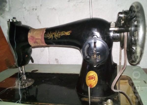 Швейная машина  ПМЗ  ножная - 450 грн
