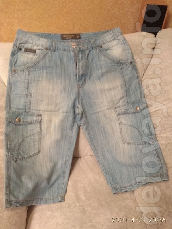 Продам недорого мужские джинсовые шорты в отличном состоянии. Размер