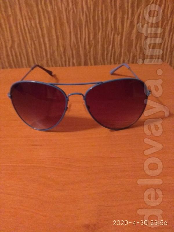 Продам недорого очки солнцезащитные 'капли'.