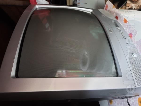 Телевизор LG 51см, с пультом управления. Возможен обмен на тушенку, с