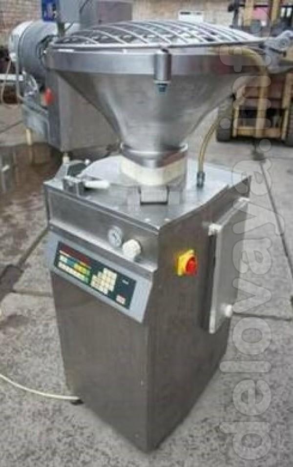 Технические характеристики: ёмкость бункера 100 л питание 400 В мощно
