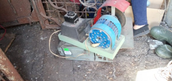 продам   харьковский мотор  мощность -750 вт