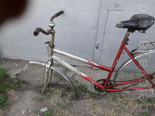 Продам велосипедную раму б/у женскую. Велосипед 'САЛЮТ'. В наличии е