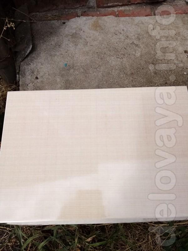Плитка бежевый цвет. Волгоградский керамический завод. Размер 30 на 2